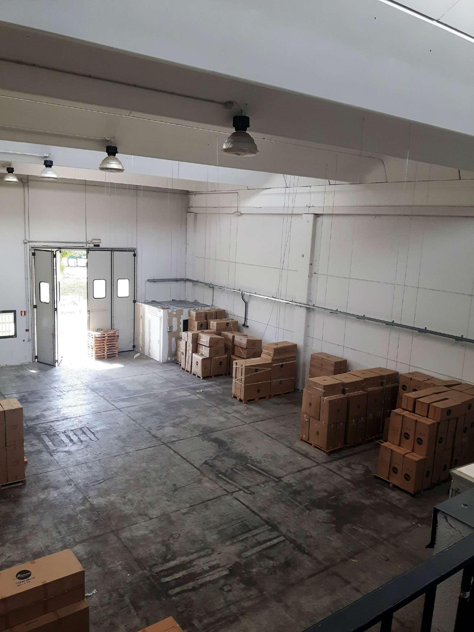 Capannone in affitto a Signa, 1 locali, prezzo € 4.000 | CambioCasa.it