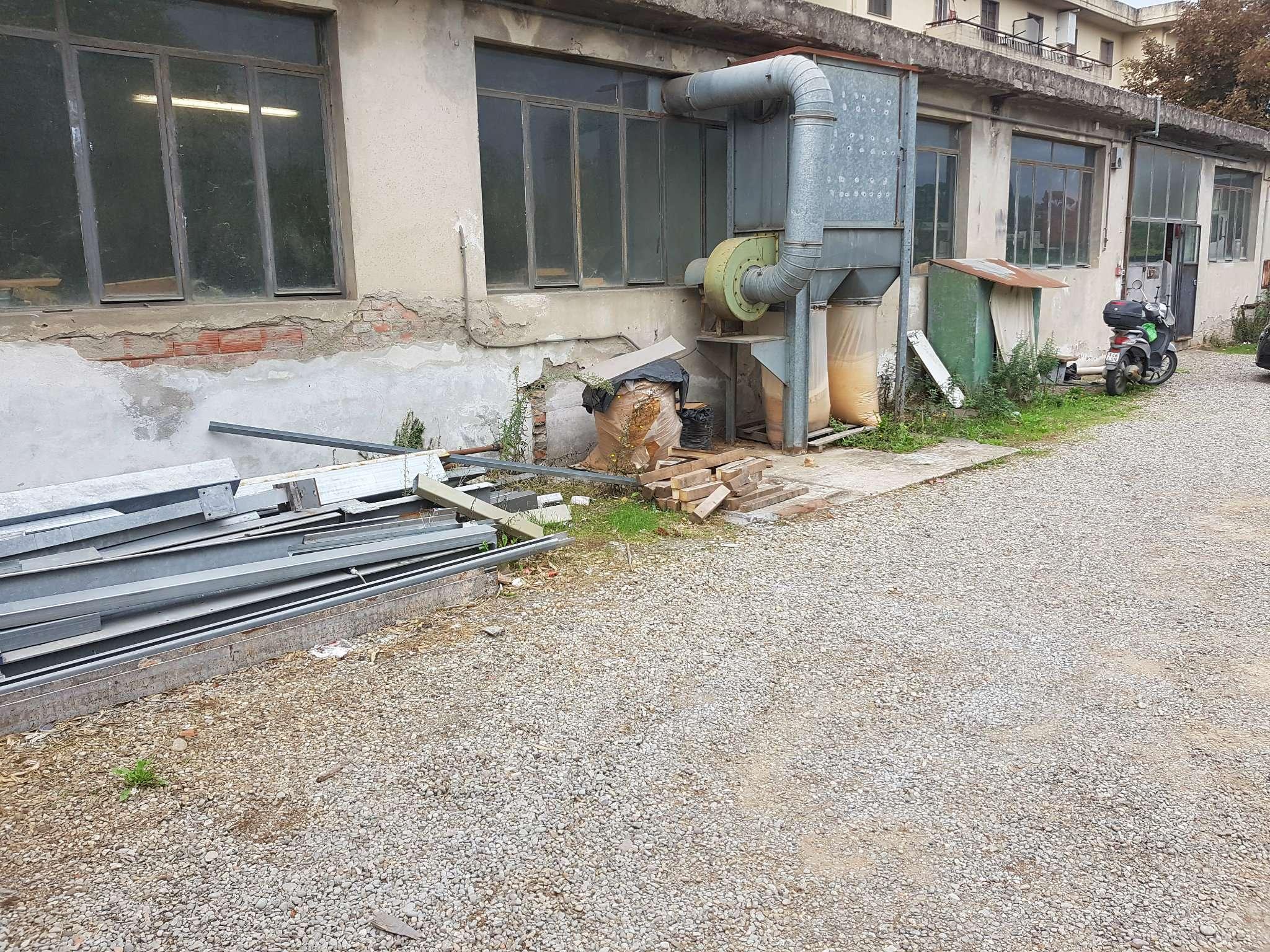 Capannone in vendita a Lastra a Signa, 3 locali, prezzo € 190.000 | CambioCasa.it