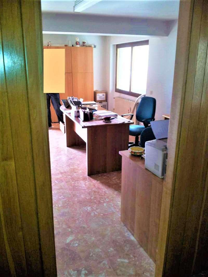 Ufficio / Studio in affitto a Signa, 1 locali, prezzo € 400 | CambioCasa.it