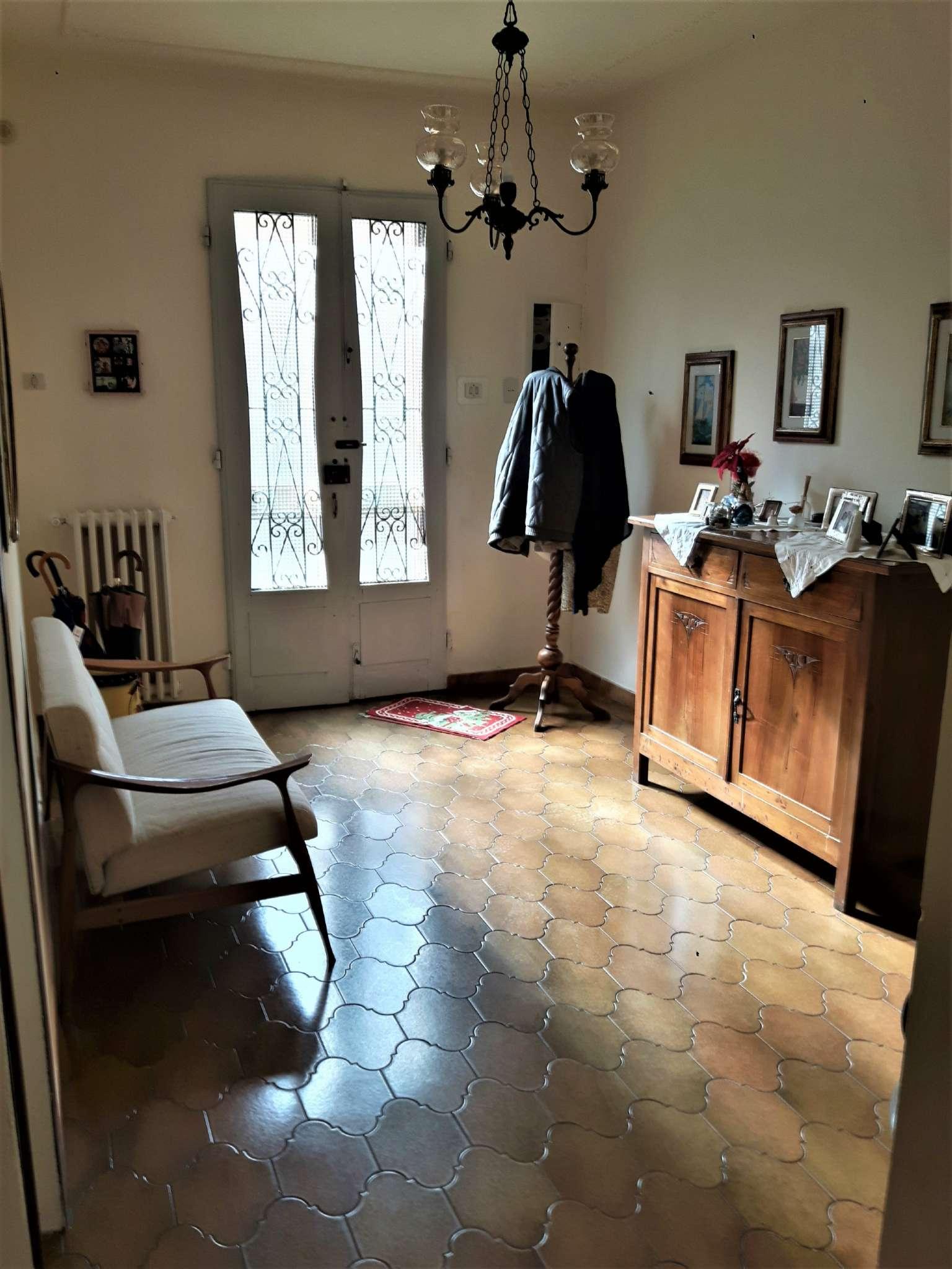 Palazzo / Stabile in vendita a Campi Bisenzio, 10 locali, prezzo € 195.000 | CambioCasa.it