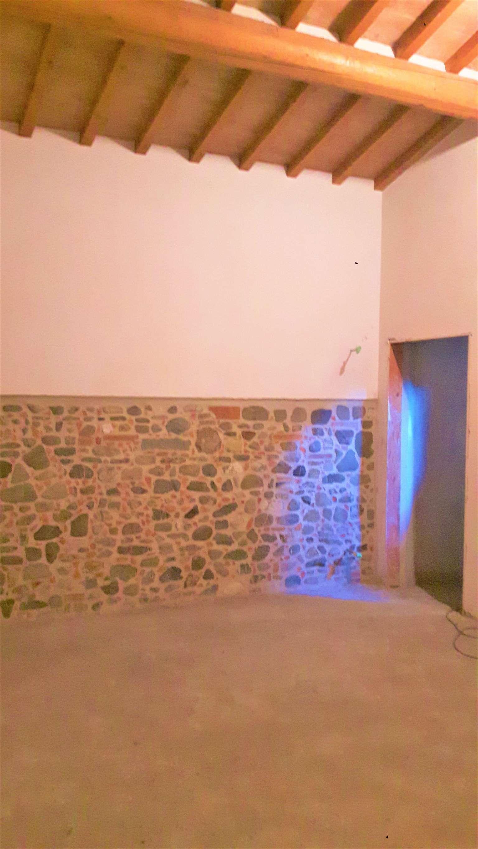 Palazzo / Stabile in vendita a Campi Bisenzio, 4 locali, prezzo € 175.000 | CambioCasa.it