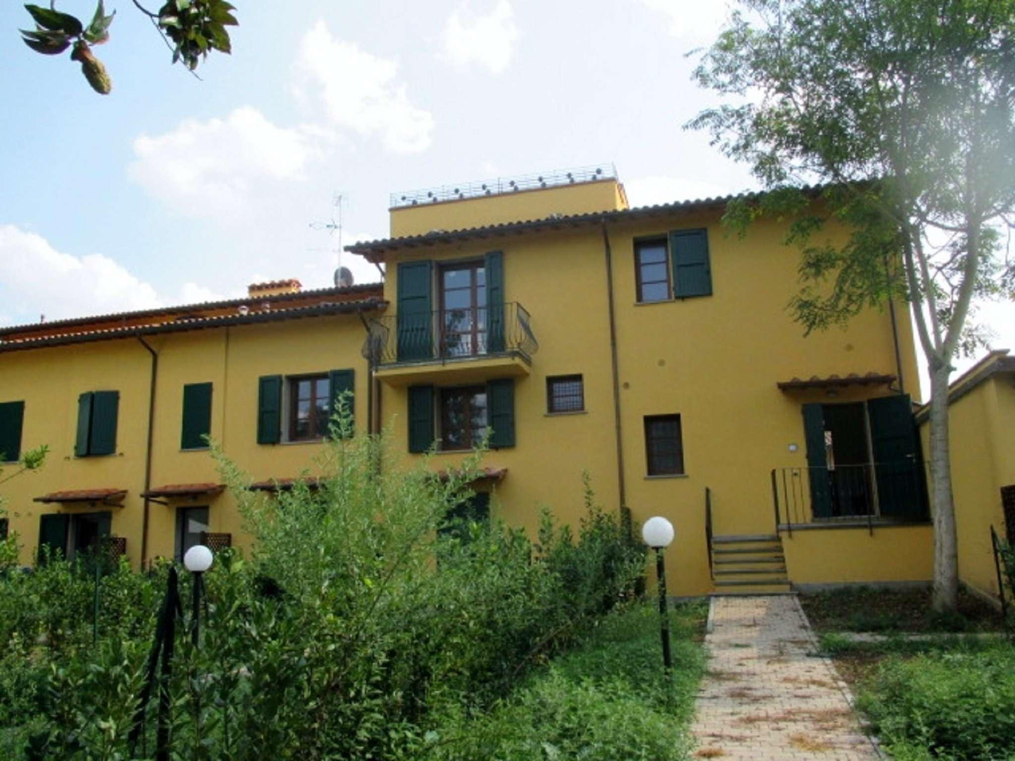 Palazzo / Stabile in vendita a Lastra a Signa, 4 locali, prezzo € 260.000 | CambioCasa.it