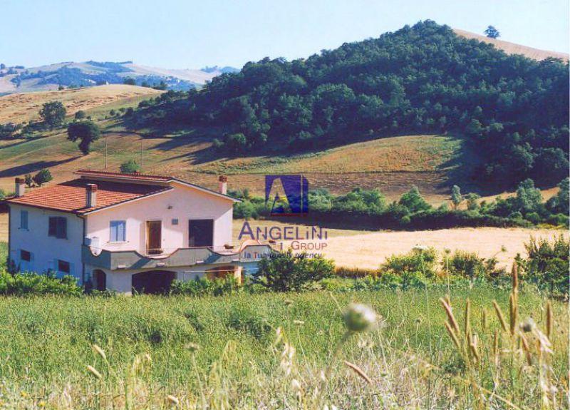 Villa in vendita a Foiano di Val Fortore, 9 locali, prezzo € 85.000 | CambioCasa.it