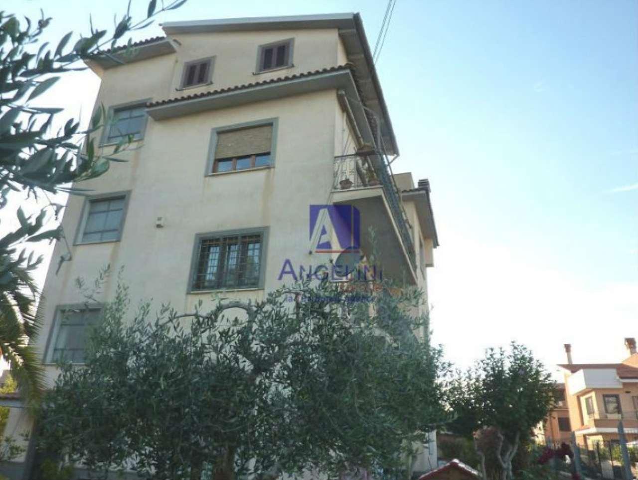 Appartamento in vendita a Ciampino, 4 locali, prezzo € 269.000 | Cambio Casa.it