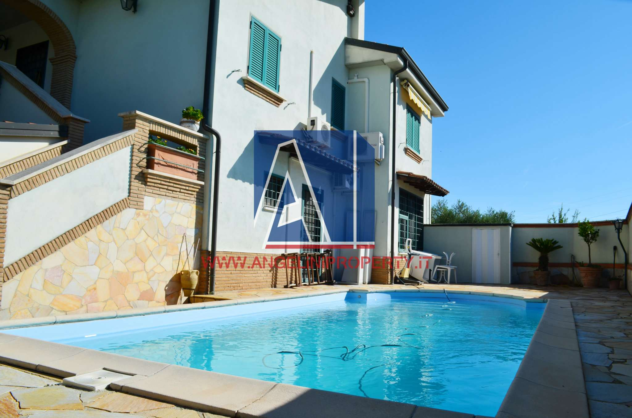 Villa in vendita a Fonte Nuova, 8 locali, prezzo € 519.000 | CambioCasa.it