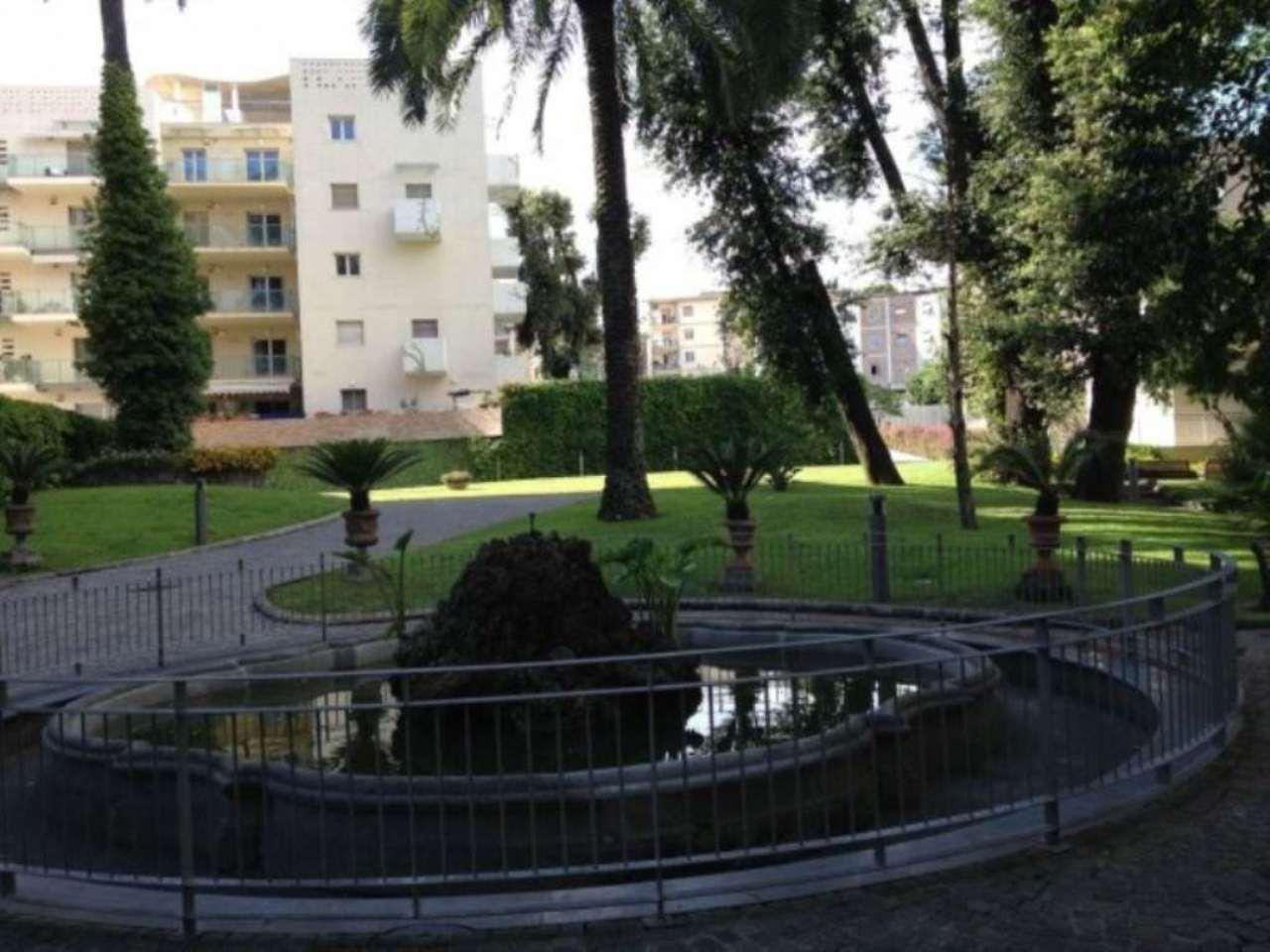 Bilocale Napoli Via Montedonzelli 8
