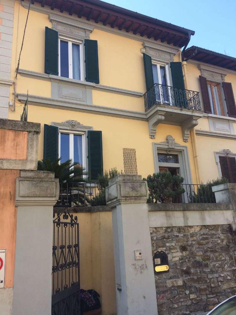 Palazzo / Stabile in affitto a Firenze, 9 locali, zona Zona: 19 . Poggio imperiale, Porta Romana, Piazzale Michelangelo, prezzo € 3.000 | Cambio Casa.it