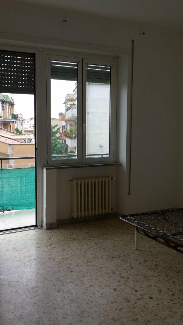 Bilocale Guidonia Montecelio Piazza Piazza Francesco Baracca 6