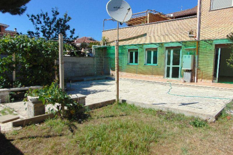 Bilocale Pomezia Via Via Lido Verde 1