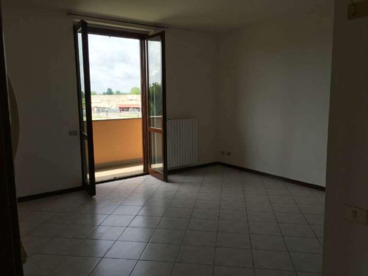 Bilocale San Martino in Strada Via Agnelli 27 2
