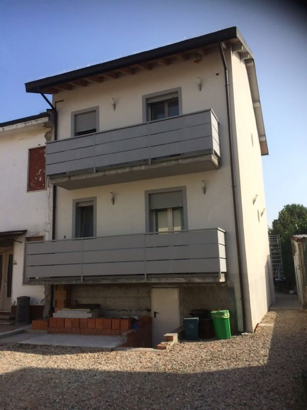 Villa Bifamiliare in Vendita a San Martino in Strada