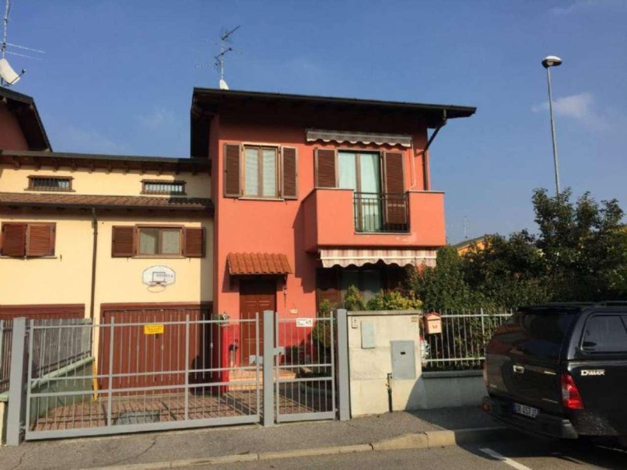 Villa Bifamiliare in vendita a Ospedaletto Lodigiano, 4 locali, prezzo € 170.000 | Cambio Casa.it