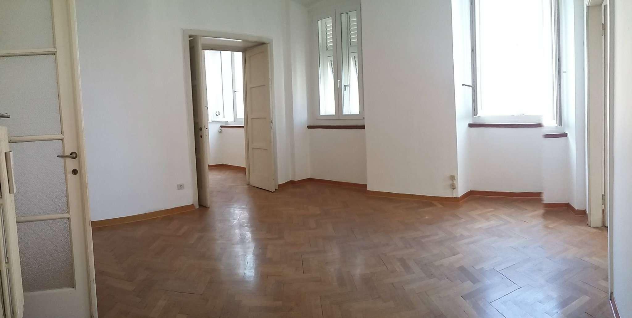 Appartamento in vendita a Trieste, 4 locali, prezzo € 220.000 | Cambio Casa.it