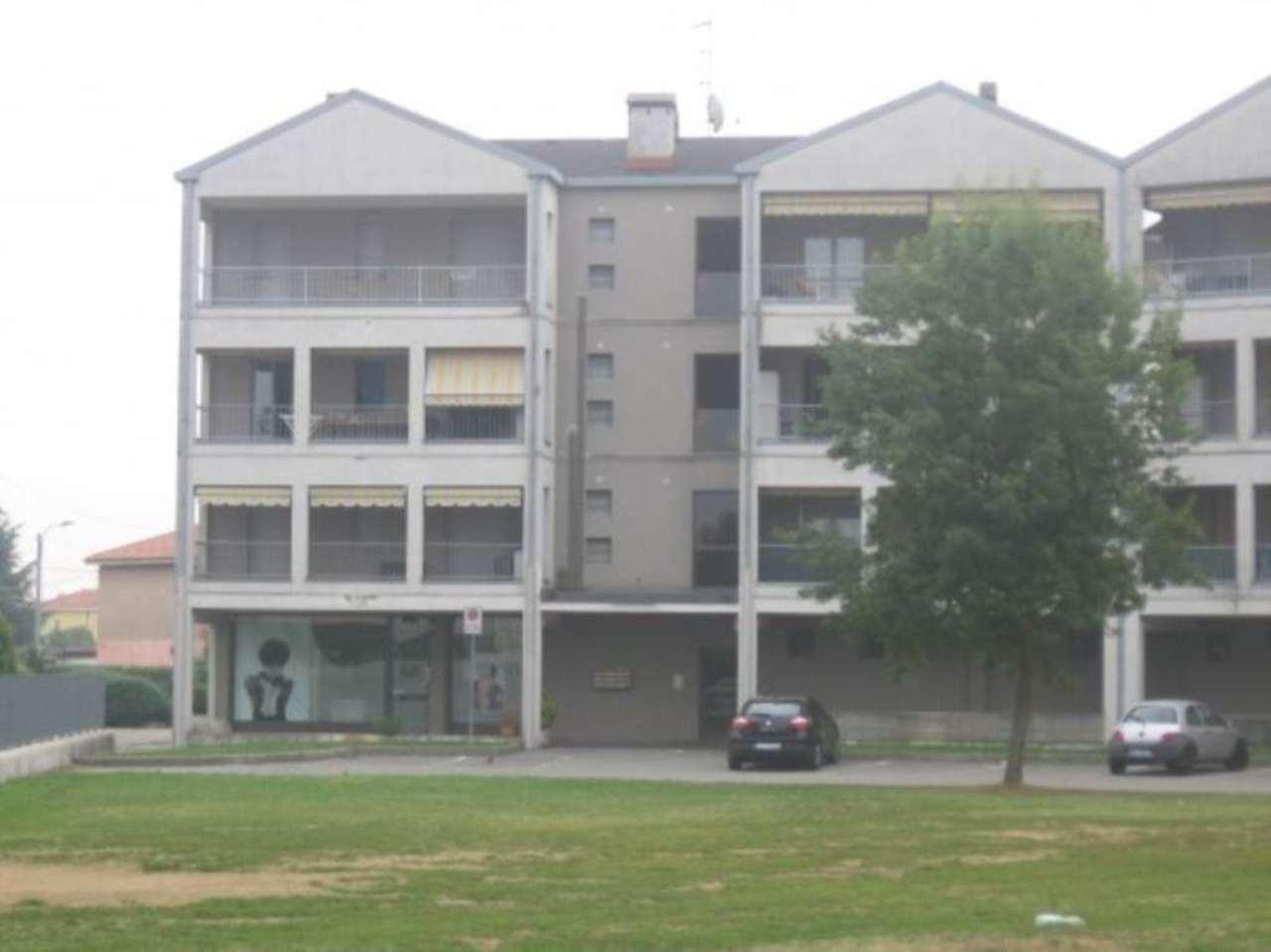 Appartamento in affitto a Cassano Magnago, 3 locali, prezzo € 500 | Cambio Casa.it