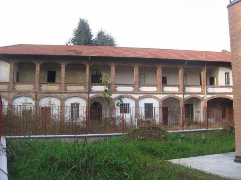 Rustico / Casale in vendita a Cassano Magnago, 6 locali, prezzo € 195.000 | Cambio Casa.it