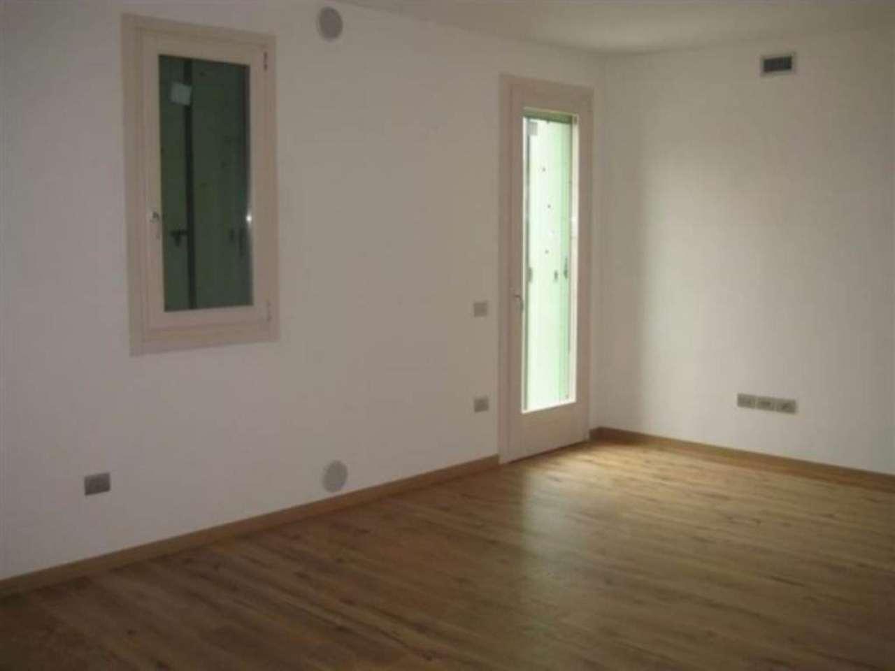 Appartamento in vendita a Castelfranco Veneto, 3 locali, prezzo € 185.000 | Cambio Casa.it