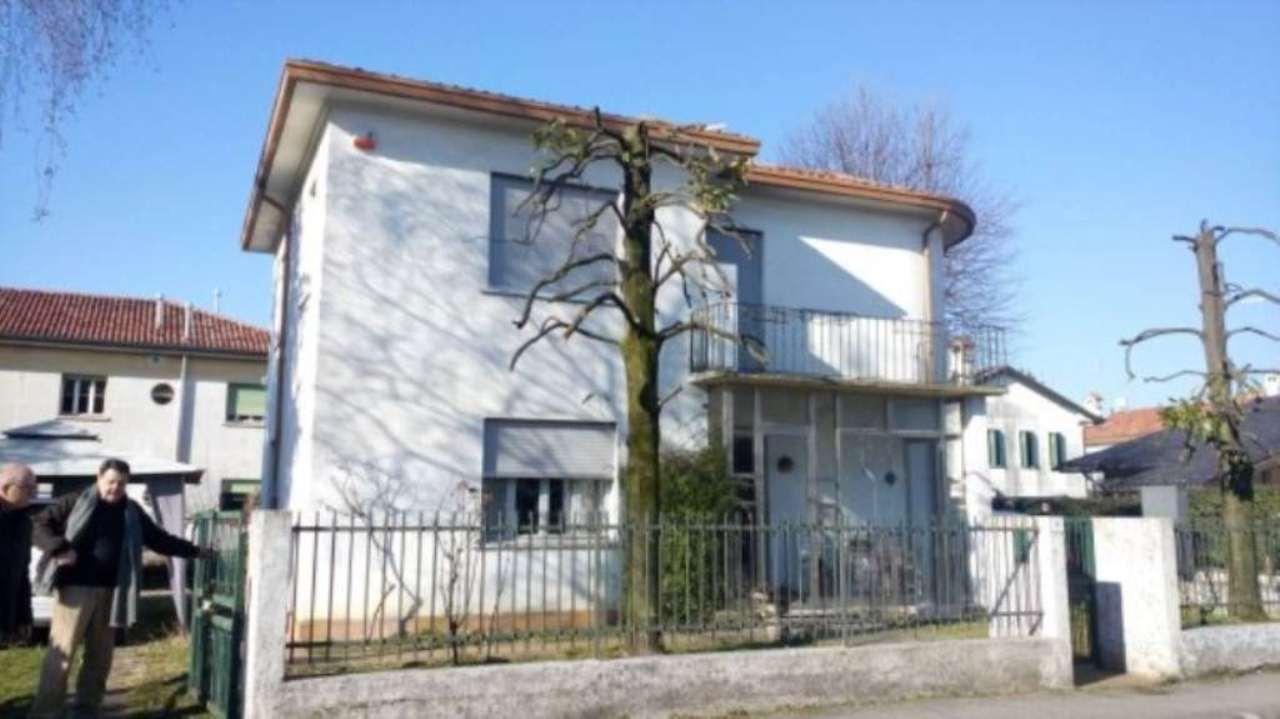 Villa in vendita a Castelfranco Veneto, 6 locali, prezzo € 350.000 | Cambio Casa.it