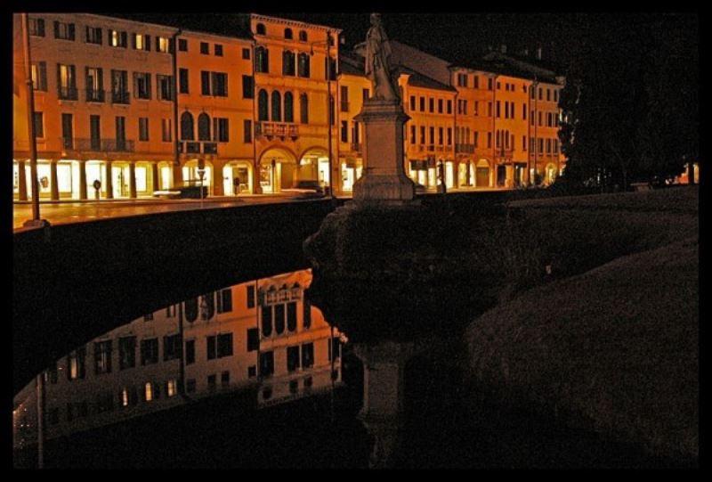 Negozio / Locale in vendita a Castelfranco Veneto, 2 locali, Trattative riservate | Cambio Casa.it