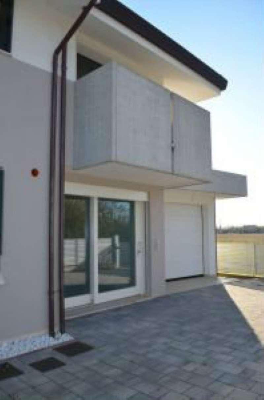 Villa in vendita a Castelfranco Veneto, 9999 locali, prezzo € 450.000 | CambioCasa.it