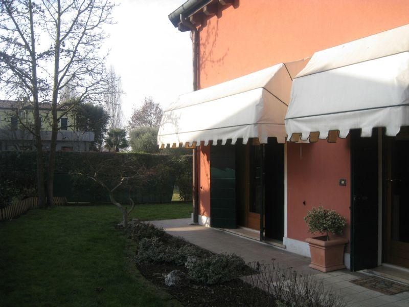 Villa in vendita a San Giorgio in Bosco, 6 locali, prezzo € 178.000 | Cambio Casa.it