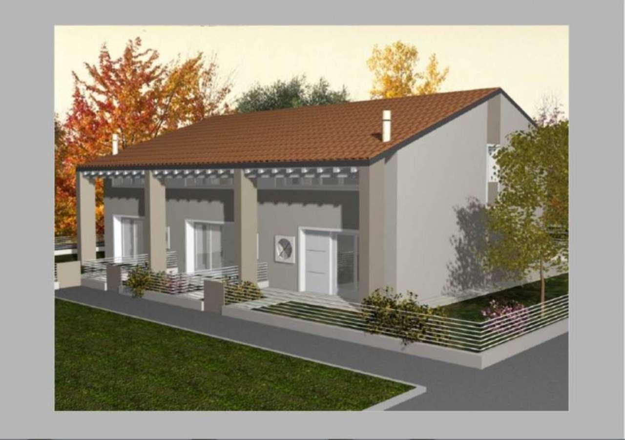 Villa Tri-Quadrifamiliare in Vendita a Tombolo