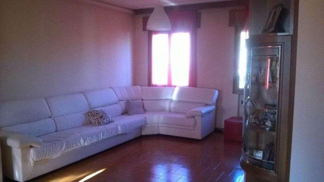 Villa in Vendita a Loria