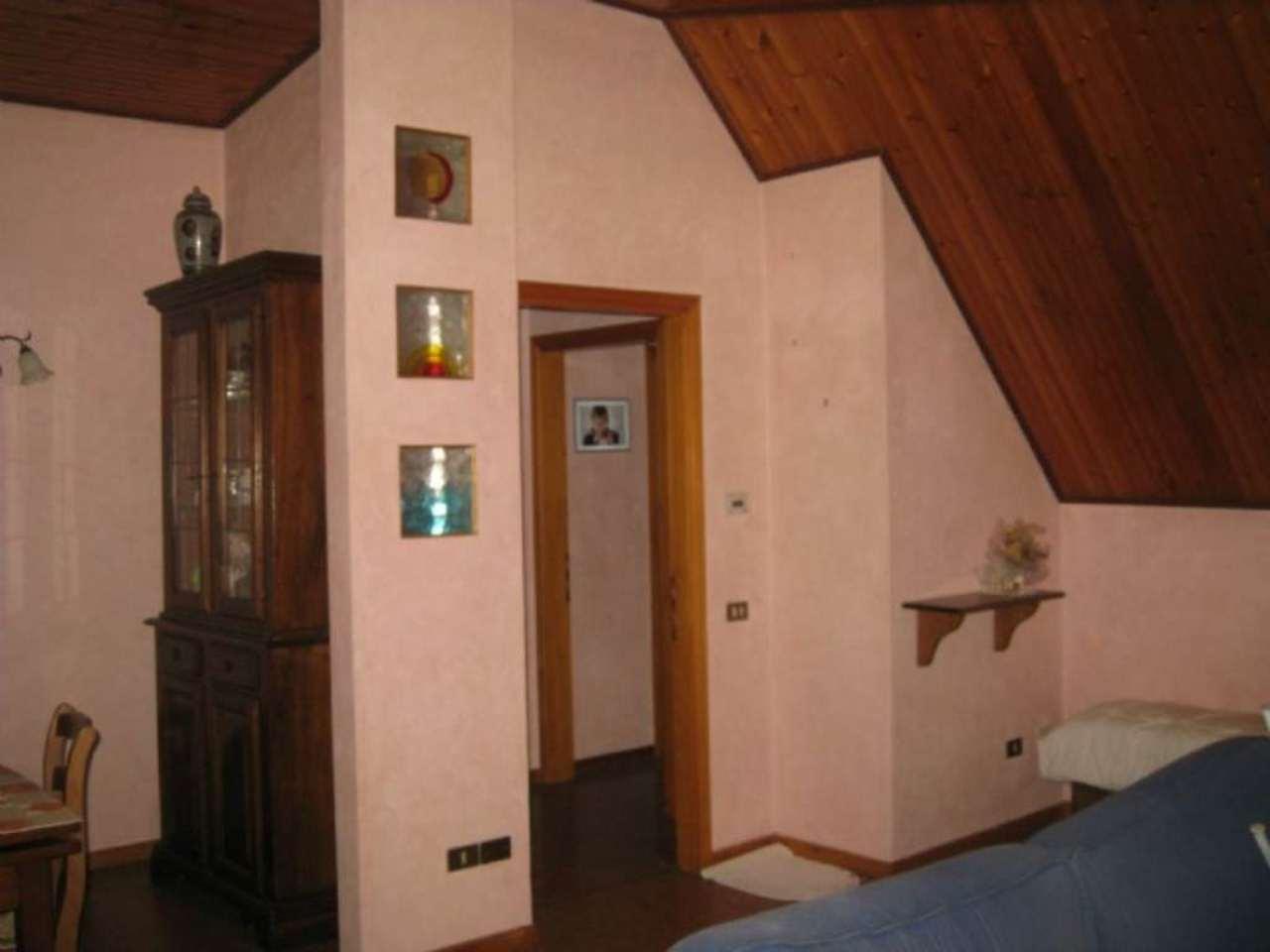 Appartamento in vendita a Resana, 5 locali, prezzo € 109.000 | Cambio Casa.it