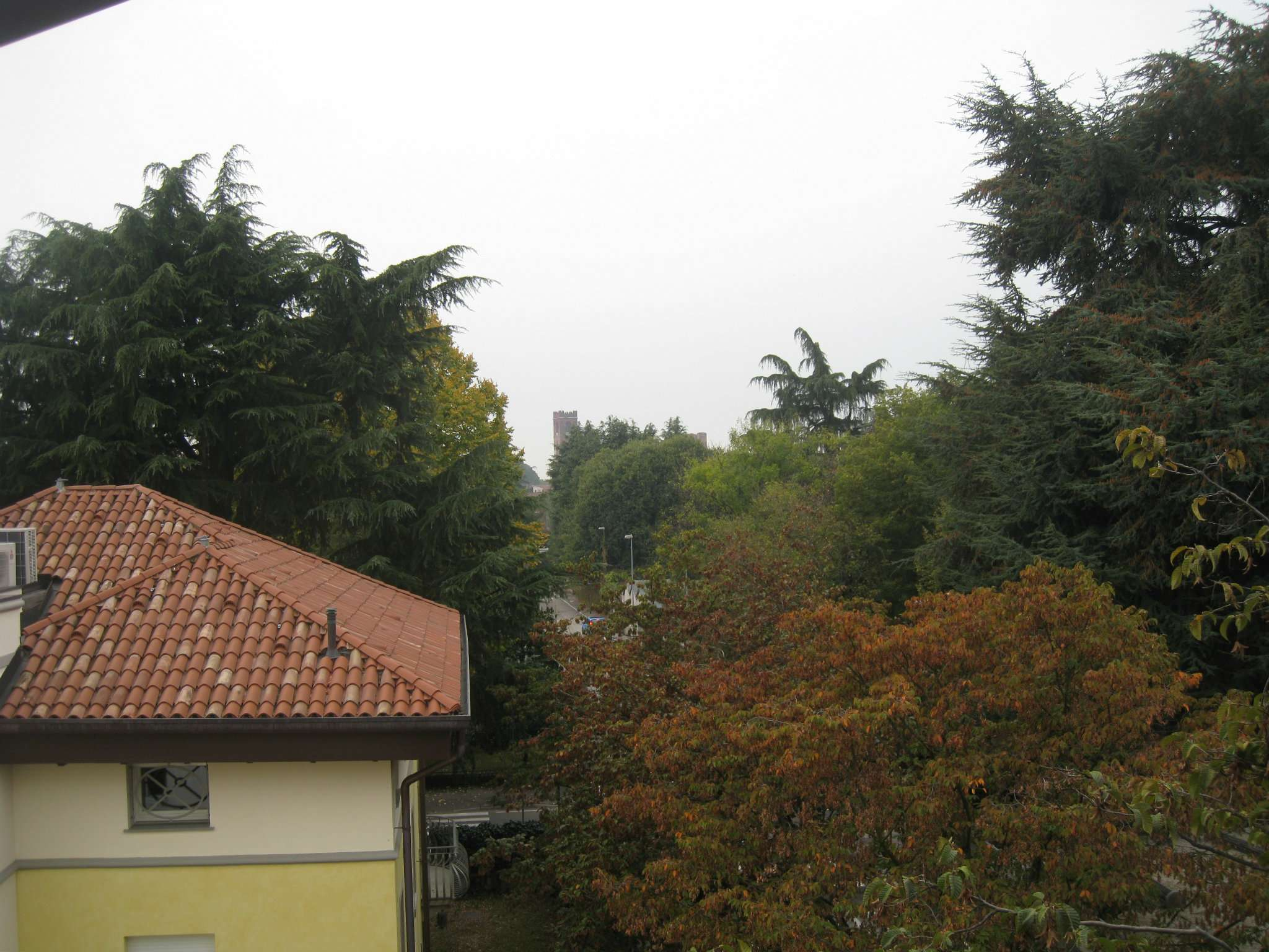 Appartamento in vendita a Castelfranco Veneto, 6 locali, prezzo € 90.000 | Cambio Casa.it