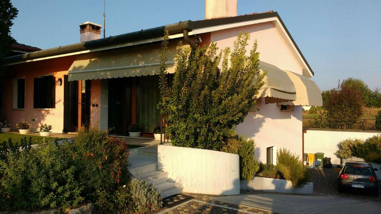 Villa Bifamiliare in Vendita a Vedelago