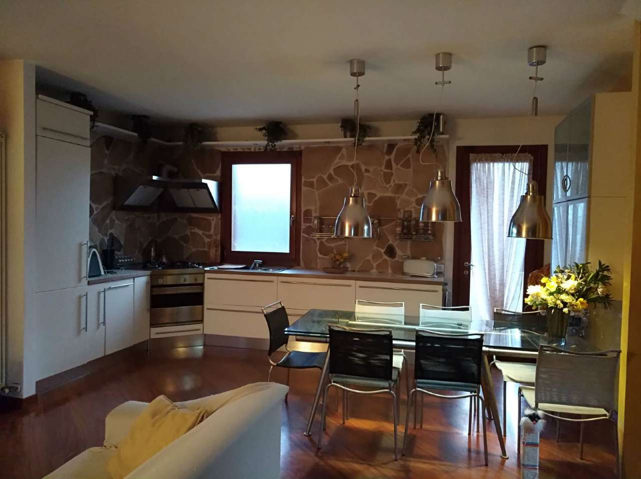 Villa Tri-Quadrifamiliare in Vendita a Castelfranco Veneto