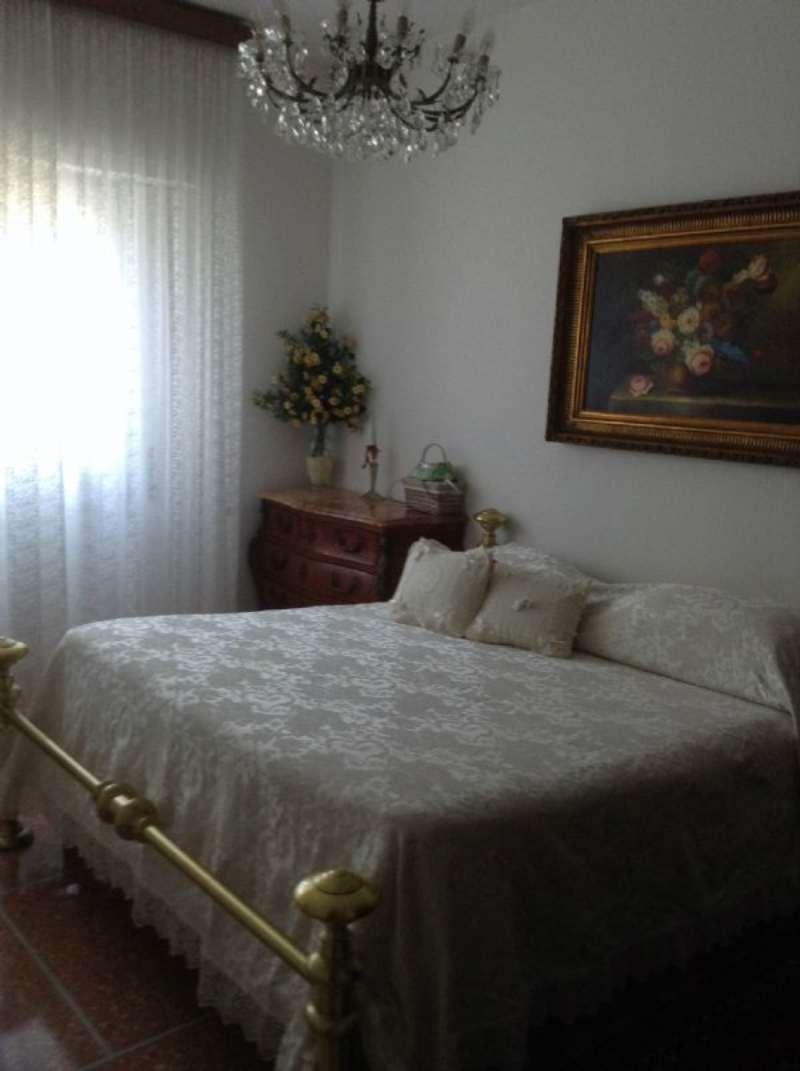 Bilocale Rapallo Via Fratelli Bandiera 8