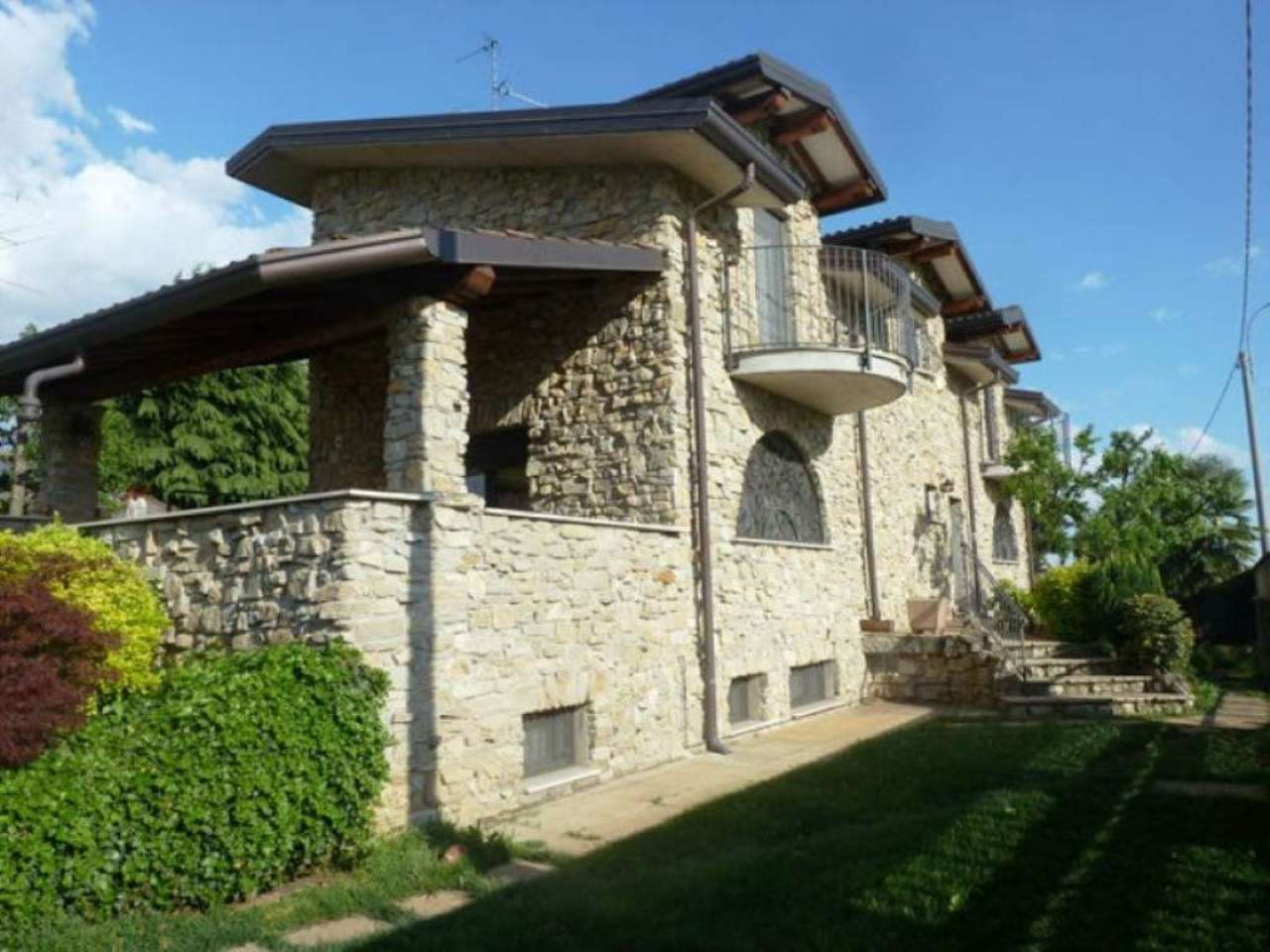 Villa in vendita a Gerenzano, 6 locali, prezzo € 550.000 | Cambio Casa.it