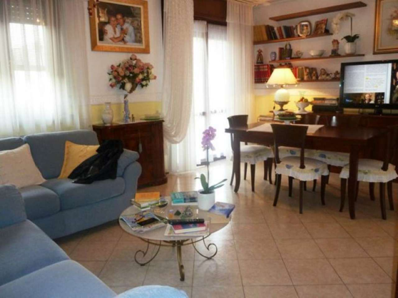 Appartamento in vendita a Tradate, 3 locali, prezzo € 144.000 | Cambio Casa.it