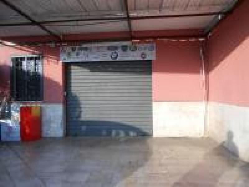 Negozio / Locale in vendita a Serrone, 2 locali, prezzo € 125.000 | CambioCasa.it