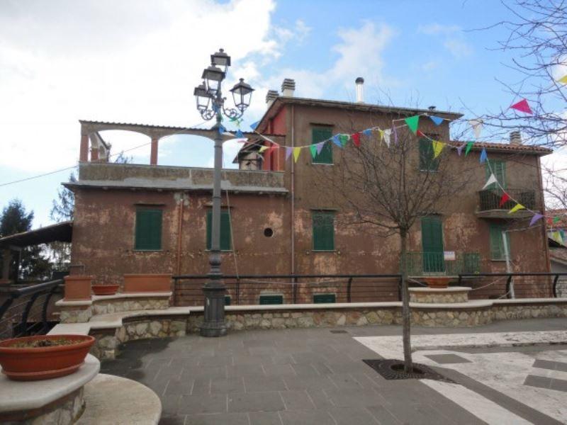 Appartamento in vendita a Rocca di Cave, 6 locali, prezzo € 135.000 | Cambio Casa.it