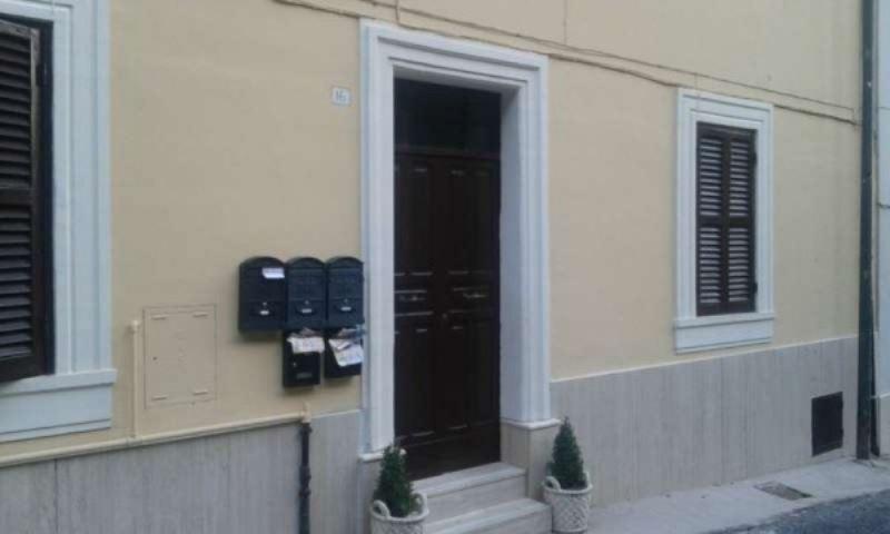 Appartamento in vendita a Genazzano, 2 locali, prezzo € 59.000 | Cambio Casa.it
