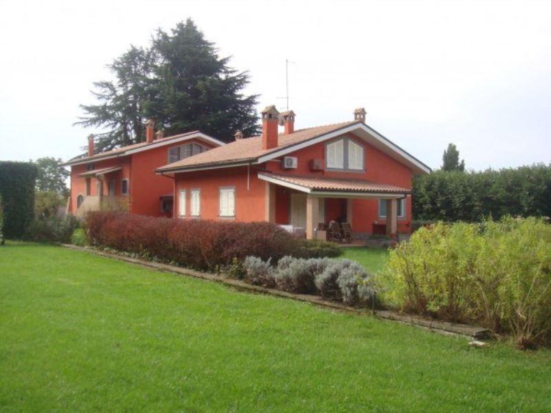 Villa in vendita a Cave, 6 locali, Trattative riservate | CambioCasa.it