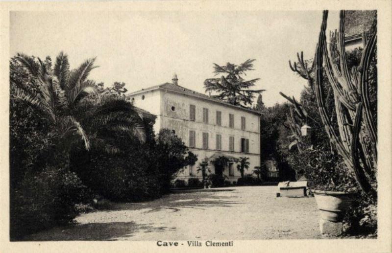Palazzo / Stabile in Vendita a Cave
