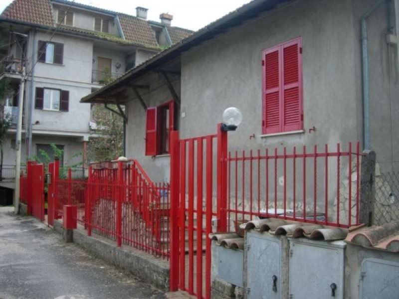Villa in vendita a Cave, 3 locali, prezzo € 200.000 | Cambio Casa.it