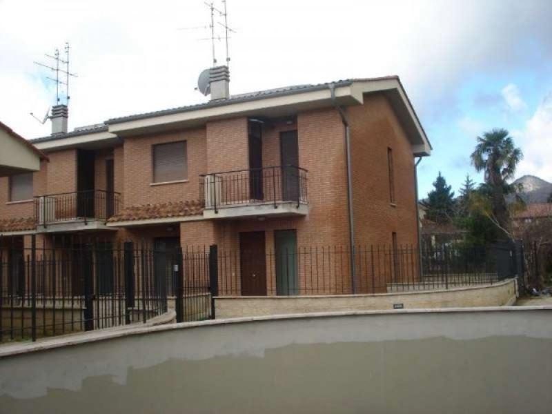 Appartamento in vendita a Cave, 3 locali, prezzo € 139.000 | Cambio Casa.it