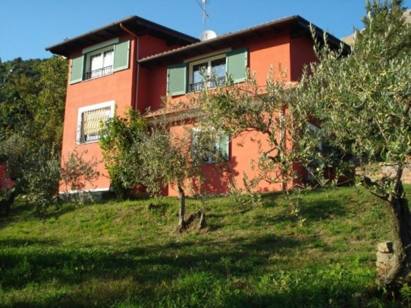 Villa in vendita a Cave, 6 locali, prezzo € 175.000 | CambioCasa.it
