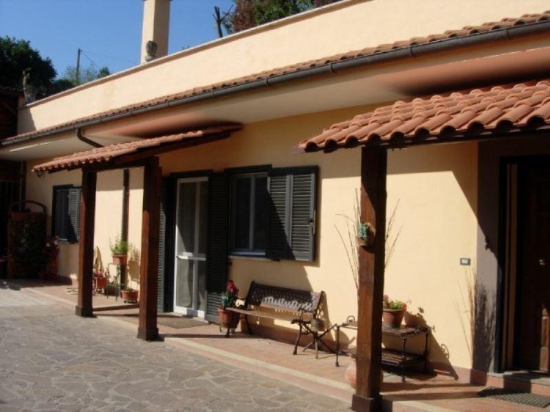 Villa in vendita a Genazzano, 4 locali, prezzo € 175.000 | Cambio Casa.it