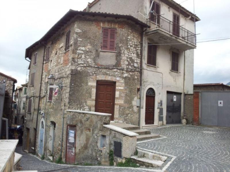 Appartamento in vendita a Piglio, 5 locali, prezzo € 158.000 | CambioCasa.it