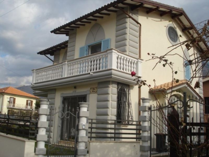 Villa in vendita a Cave, 5 locali, prezzo € 359.000 | Cambio Casa.it