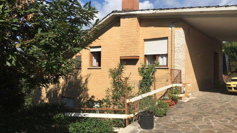 Villa in vendita a Cave, 5 locali, prezzo € 235.000 | Cambio Casa.it