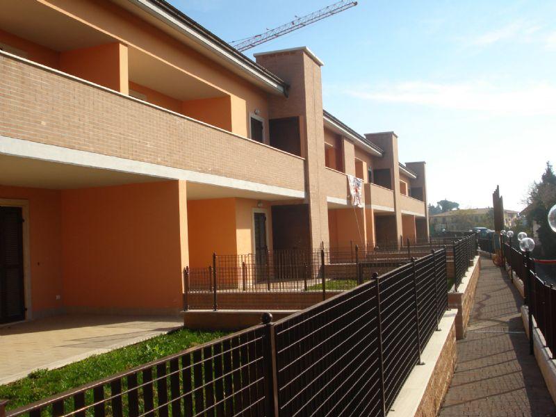 Appartamento in vendita a Cave, 3 locali, prezzo € 120.000 | Cambio Casa.it