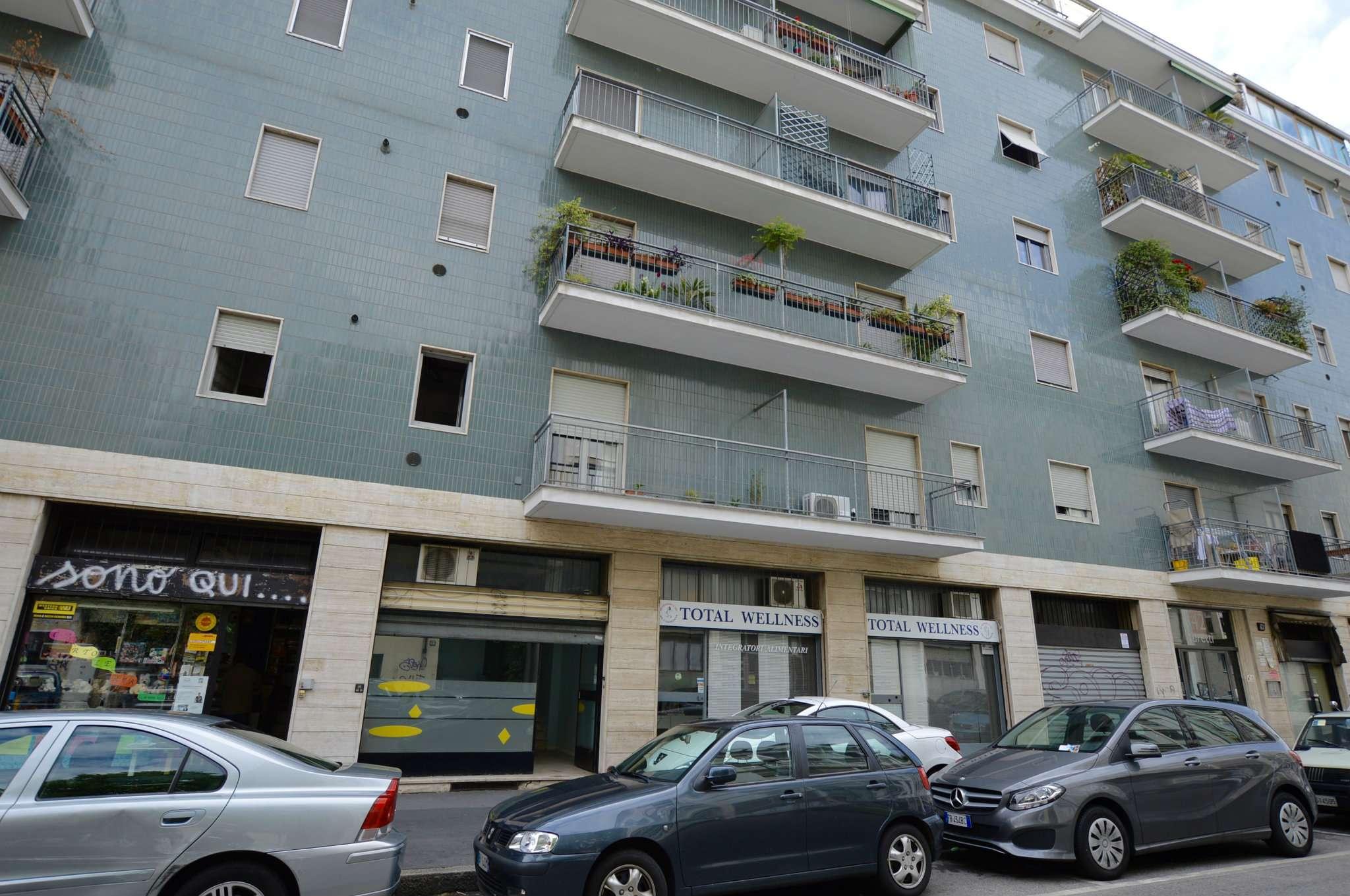 Immobile Commerciale in vendita a Milano (Centro direzionale, Greco, Zara, Maciachini)-http://media.getrix.it/1/5651/2573461849_hd.jpg