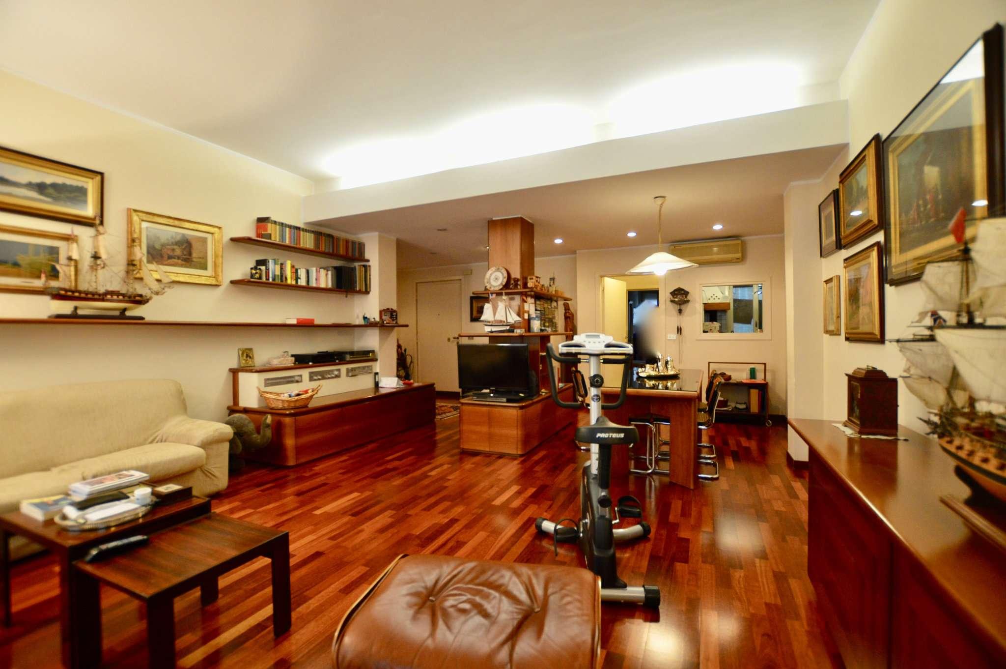 Appartamento in Vendita a Milano 03 Venezia / Piave / Buenos Aires: 3 locali, 132 mq