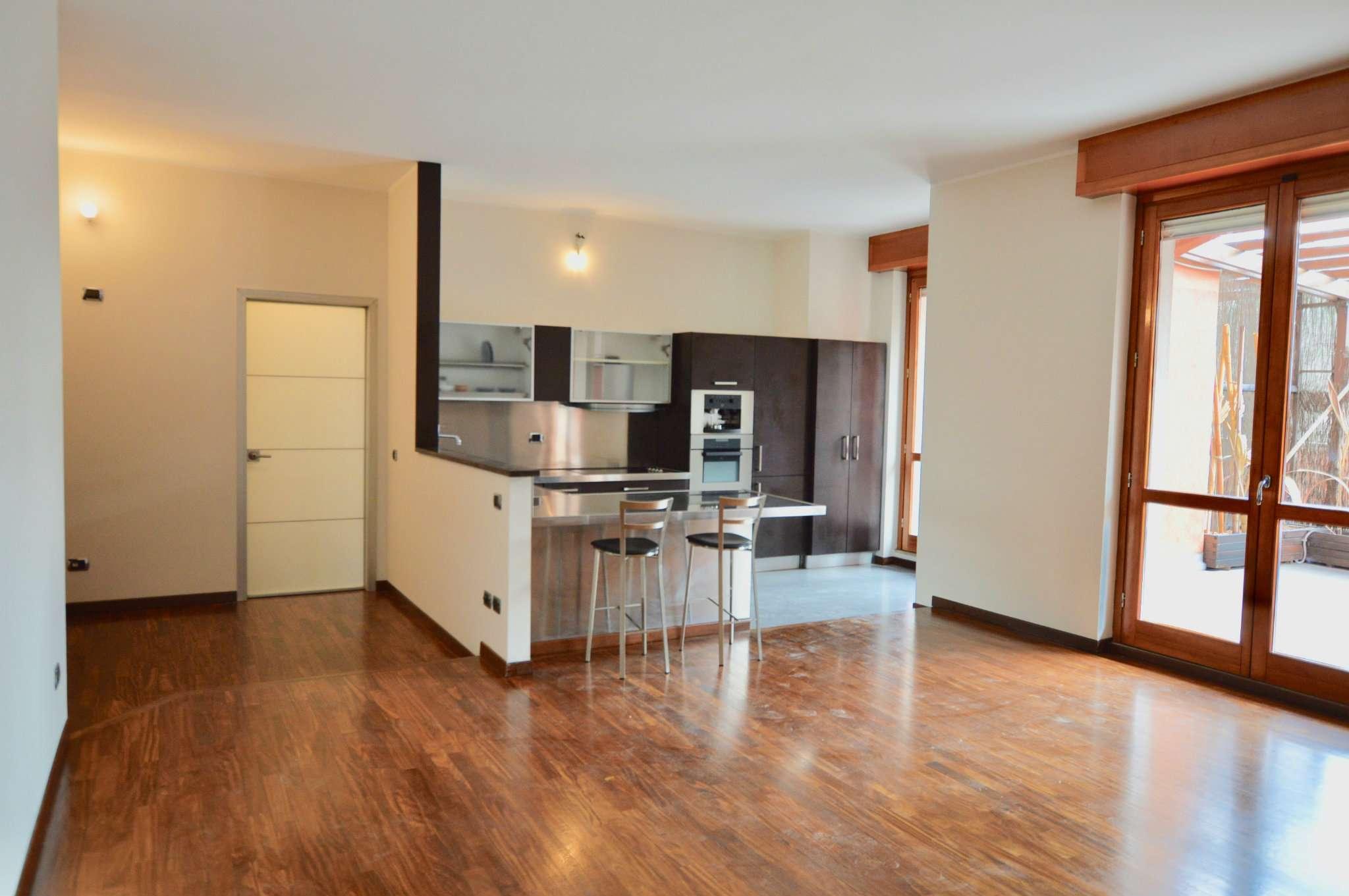 Appartamento in Vendita a Pero Centro: 3 locali, 147 mq