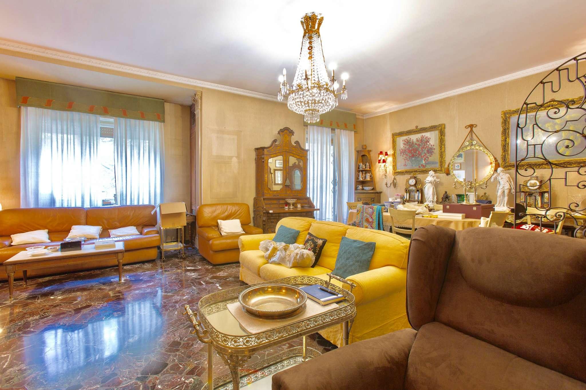 Appartamento in Vendita a Milano 06 Italia / Porta Romana / Bocconi / Lodi: 4 locali, 158 mq